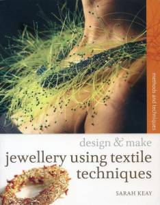 Tapa: Jewelry using textile texhniques